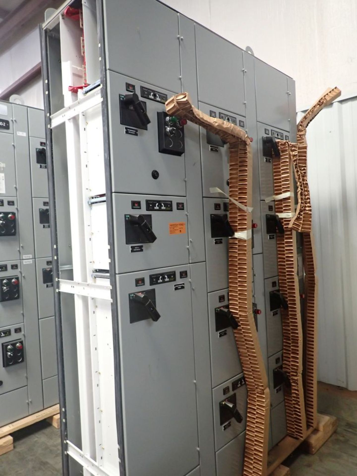 Eaton Freedom 2100 Series Motor Control Center | (2) F206-15A-10HP; (1) FDRB-250A; (1) FDRB-400A; ( - Image 2 of 104