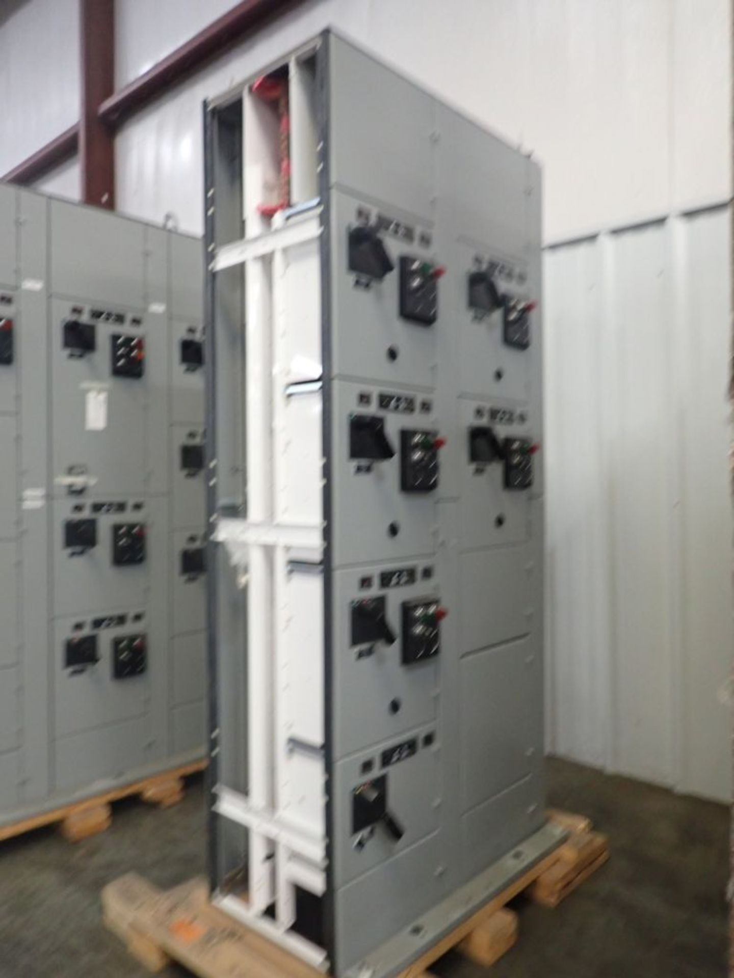 Eaton Freedom 2100 Series Motor Control Center | (2) F206-7A-10HP; (3) F206-15A-10HP; (1) FDRB-100A; - Image 4 of 87