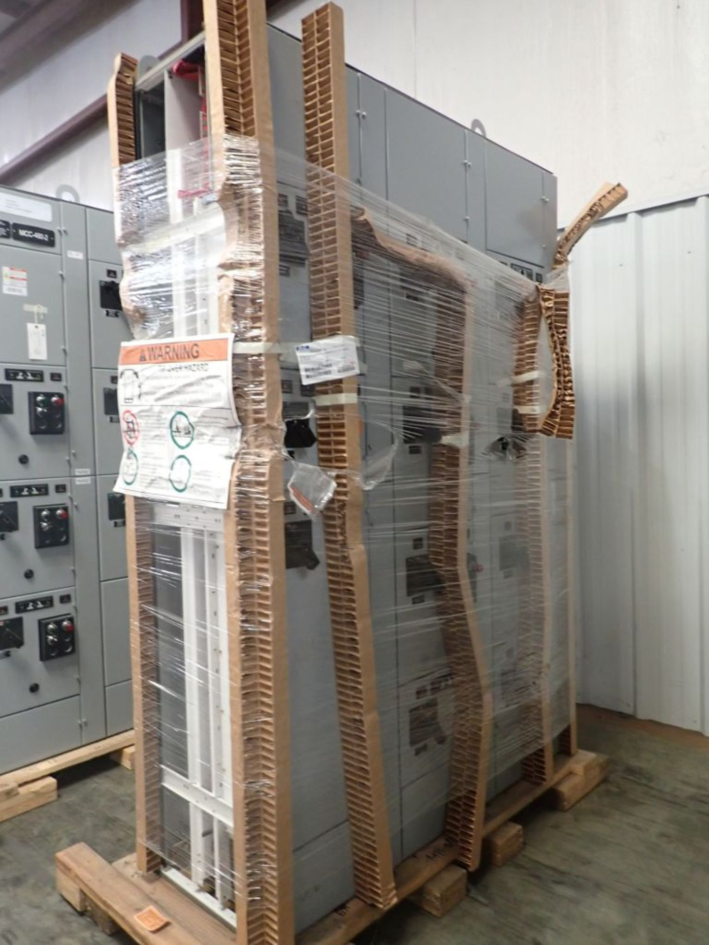 Eaton Freedom 2100 Series Motor Control Center | (2) F206-15A-10HP; (1) FDRB-250A; (1) FDRB-400A; ( - Image 4 of 104