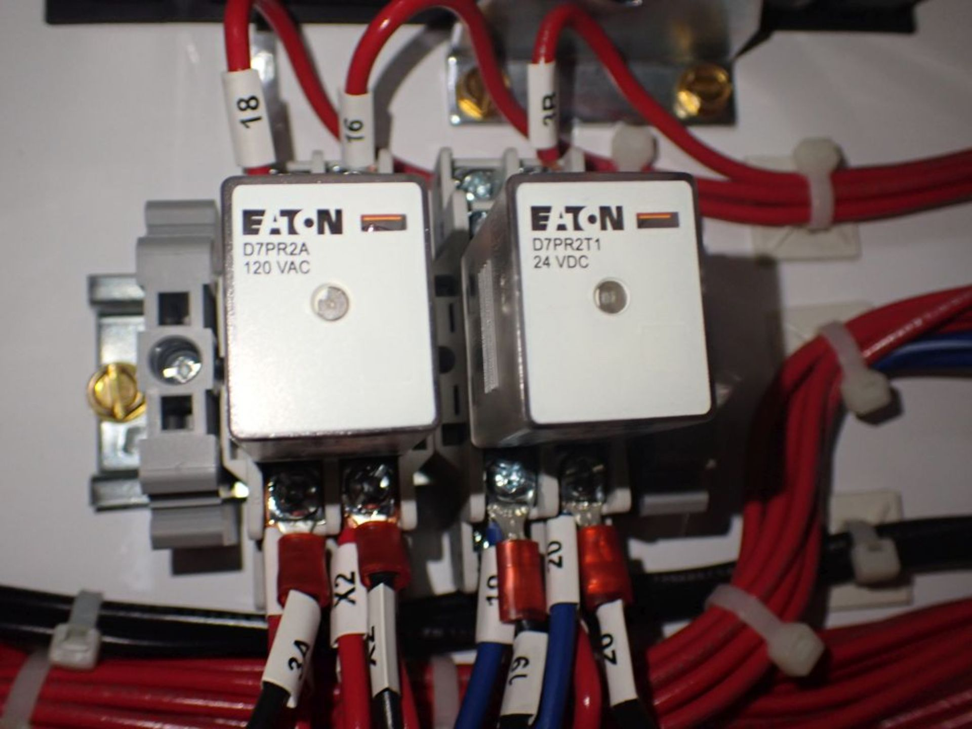 Eaton Freedom 2100 Series Motor Control Center | (2) F208-30A; (1) F208-40A; (1) FDRB-50A; (2) - Image 9 of 37