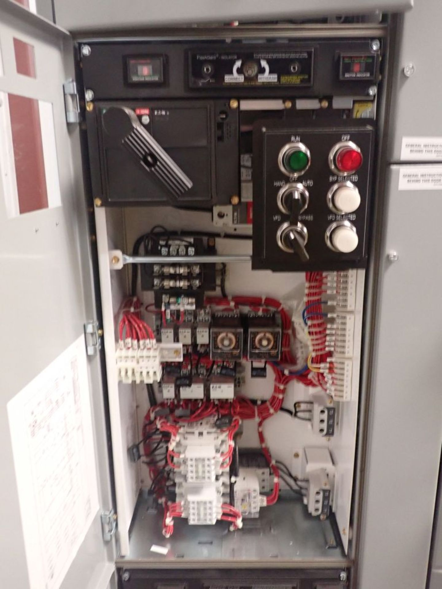 Eaton Freedom Flashgard Motor Control Center   (3) F216-15A-10HP; (1) FDRB-125A, with 150A - Image 16 of 57