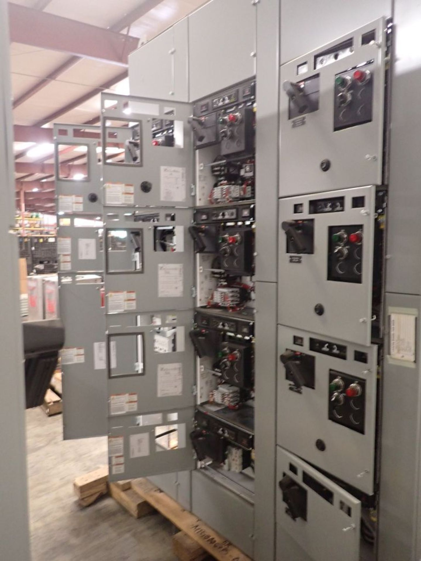 Eaton Freedom 2100 Series Motor Control Center | (2) F206-15A-10HP; (1) FDRB-250A; (1) FDRB-400A; ( - Image 10 of 104