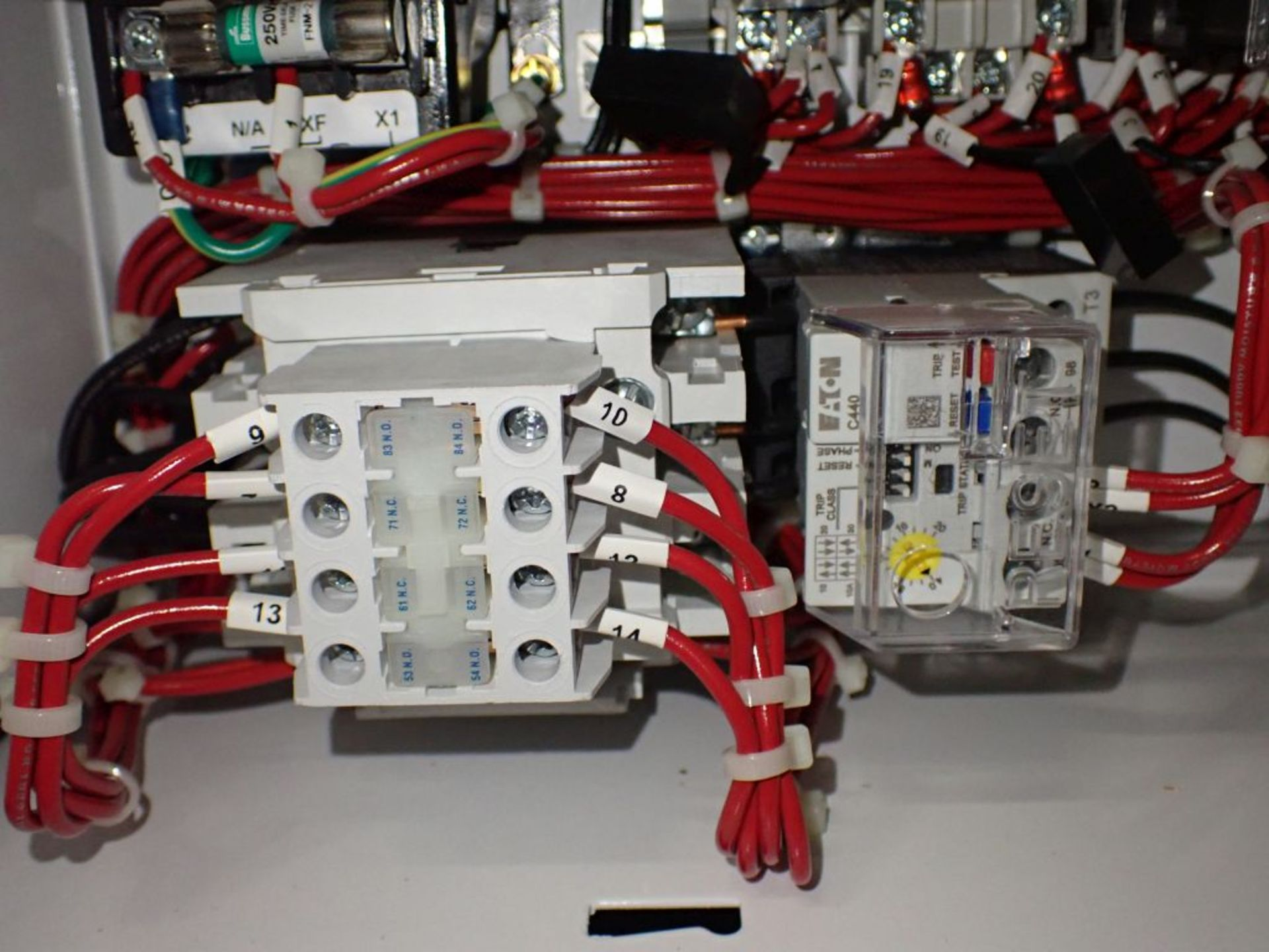 Eaton Freedom 2100 Series Motor Control Center | (11) F206-30A-10HP; (5) F206-15A-10HP; (1) SVX900- - Image 74 of 102