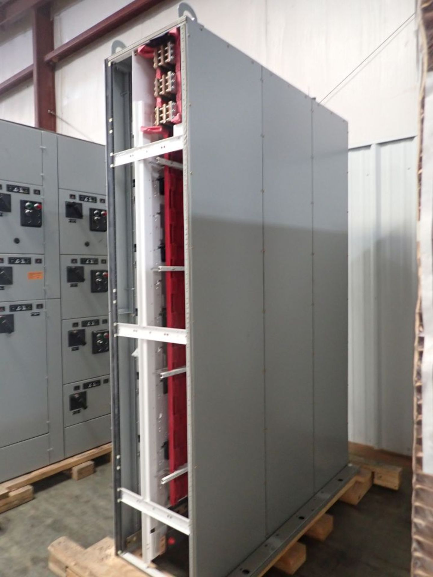 Eaton Freedom Flashgard Motor Control Center   (3) F216-15A-10HP; (1) FDRB-125A, with 150A - Image 3 of 57