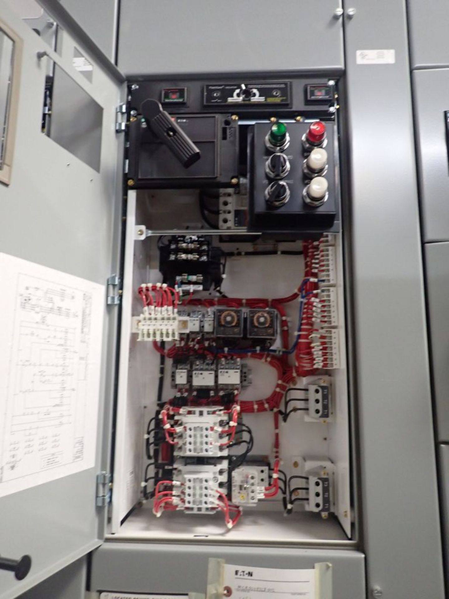Eaton Freedom Flashgard Motor Control Center   (3) F216-15A-10HP; (1) FDRB-125A, with 150A - Image 25 of 57