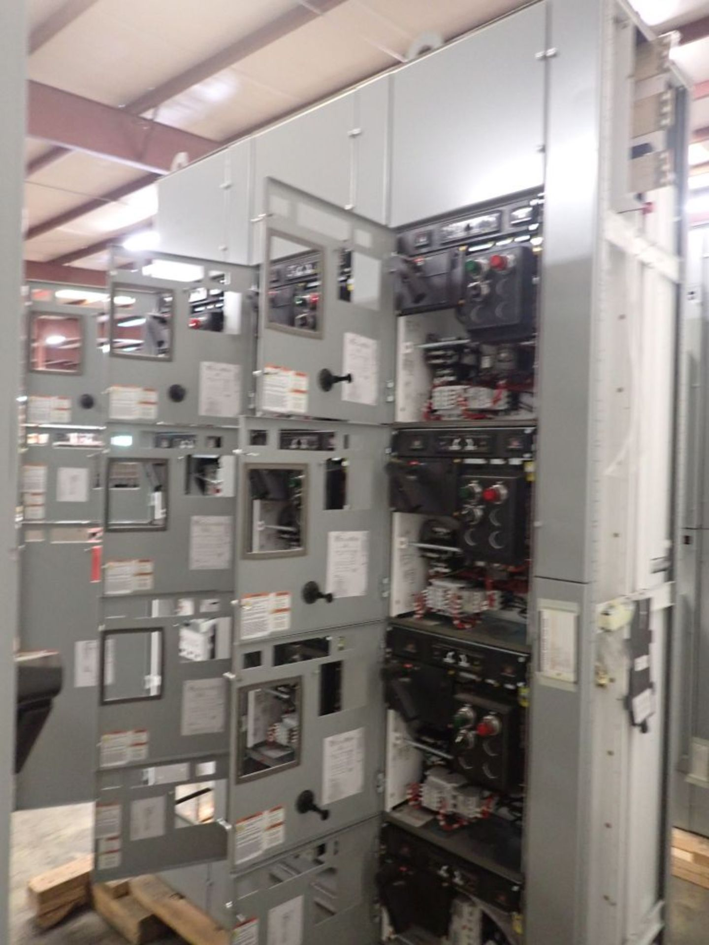 Eaton Freedom 2100 Series Motor Control Center | (2) F206-15A-10HP; (1) FDRB-250A; (1) FDRB-400A; ( - Image 9 of 104