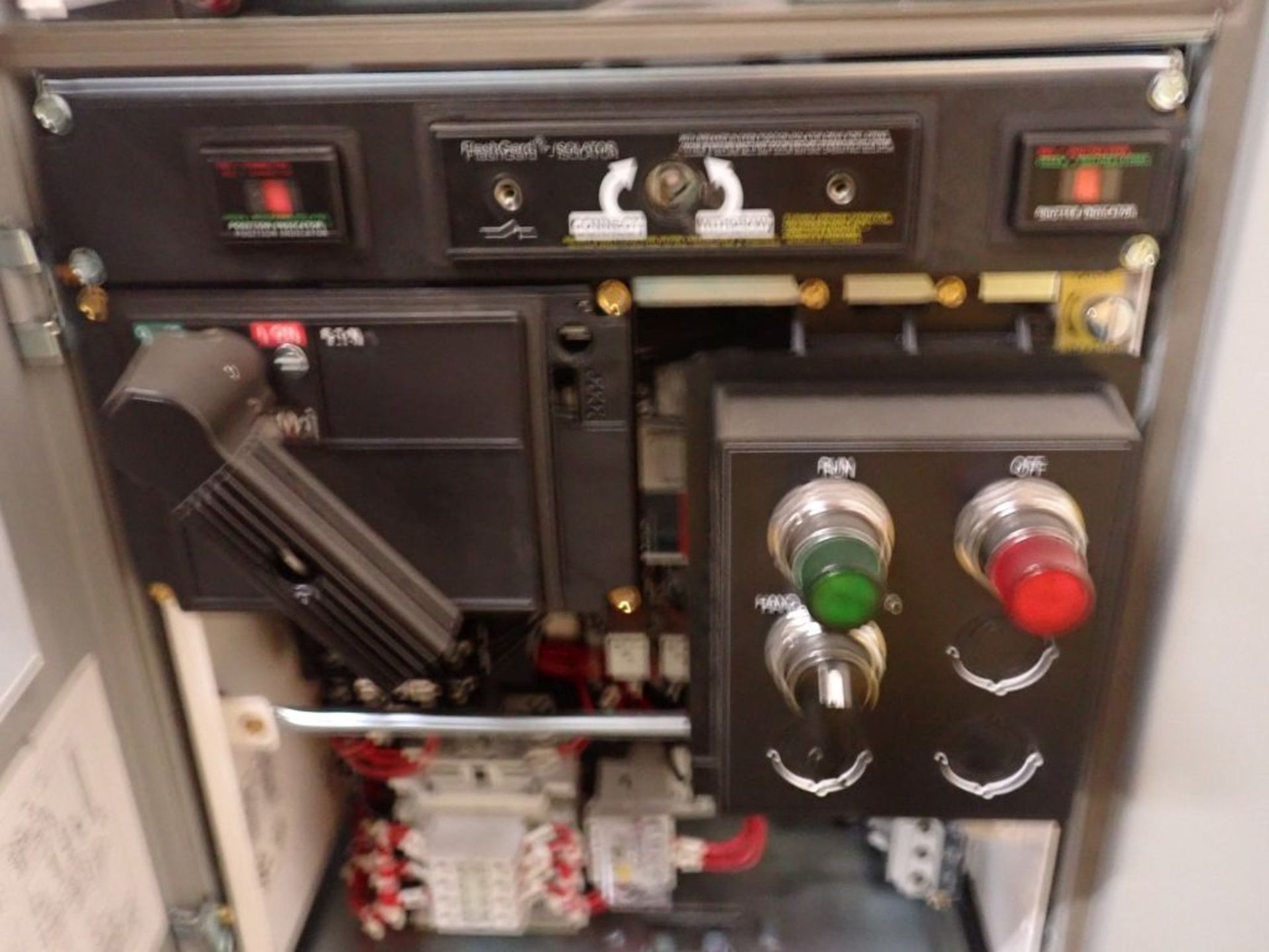 Eaton Freedom Flashgard Motor Control Center w/Components | (5) F206-15A-10HP; (4) F206-30A-10HP; ( - Image 80 of 84