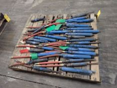 Lot of Assorted Air Tools w/Attachments - Includes: Needle Gun; Flat Head Screw Driver; Tag: 214902