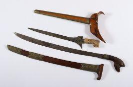 SÄBEL UND KRIS, Holz, Messing, Horn,