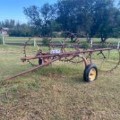 Farmhand 4 wheel rake - 1 wheel missing